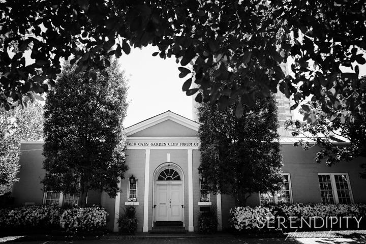 River Oaks Garden Club Wedding, outdoor wedding, black and white wedding portrait, Houston wedding photographers