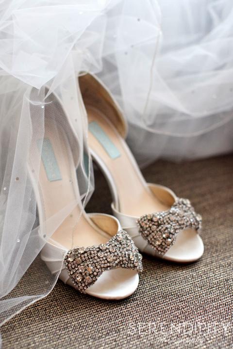 wedding shoes, houston wedding photographers, jewish wedding photography