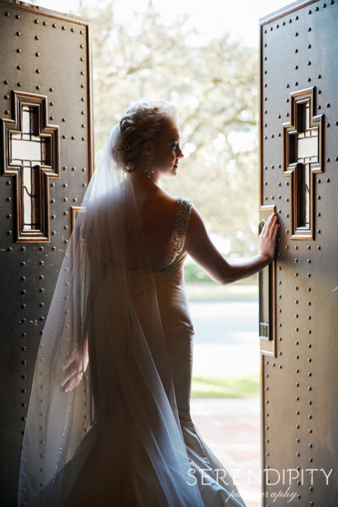 elegant bridal portrait, Houston museum district wedding, bridal session, church bridal portrait,
