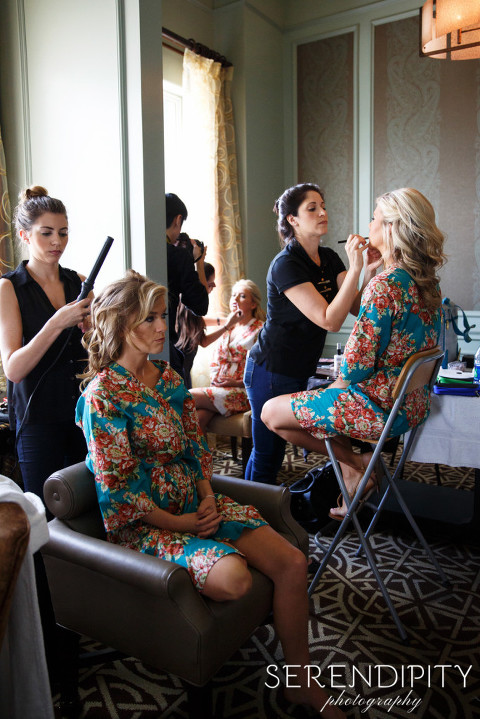 hotel icon houston, bridal party getting ready, houston wedding, hotel icon wedding